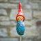 Tangoo Keramik Wichtel in blau mit bunten Effekten / Gartenstecker