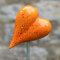 Dekoratives Keramik Herz orange / Gartenstecker