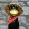 Tangoo Keramik Rabe für den Garten mit rotem Halstuch, Gartenstecker